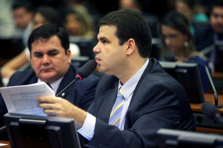 Relatório do Deputado Aureo aprova criação de cargos e vts no TRT/RJ
