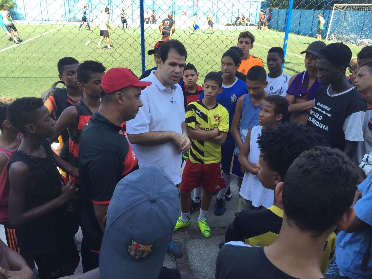 Visitando a escolinha de Futebol Fla Marujo