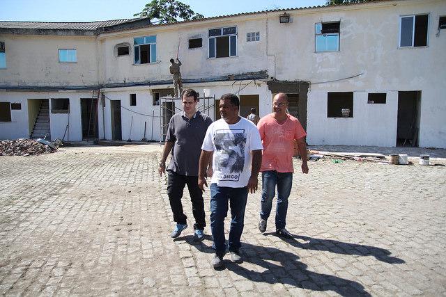 Aureo visita as novas instalações da coordenação de combate à dengue em Duque de Caxias