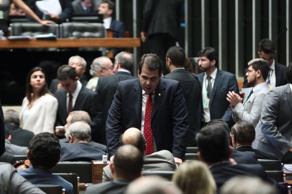 Aureo em Plenário na votação do PL5587/16 que regulamenta o UBER no Brasil