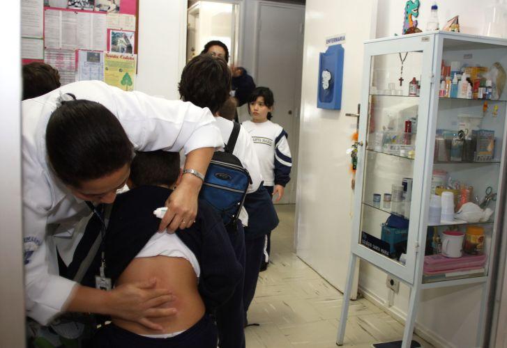 Aureo propõe enfermaria e a permanência de técnico de enfermagem em estabelecimentos de ensino