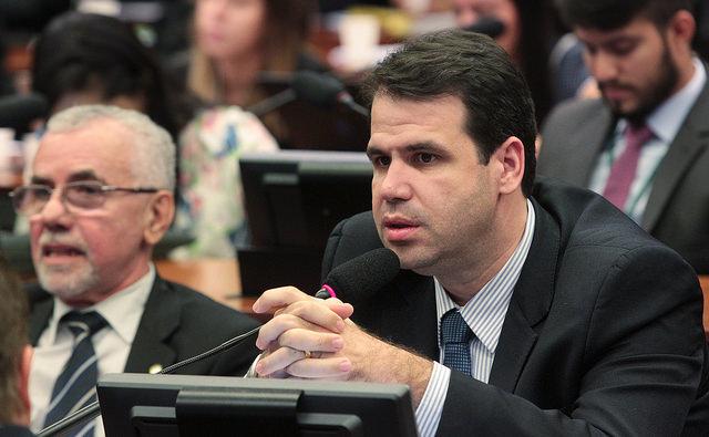 Comissão cria regras para entrada de alimentos em estabelecimentos de cultura e lazer