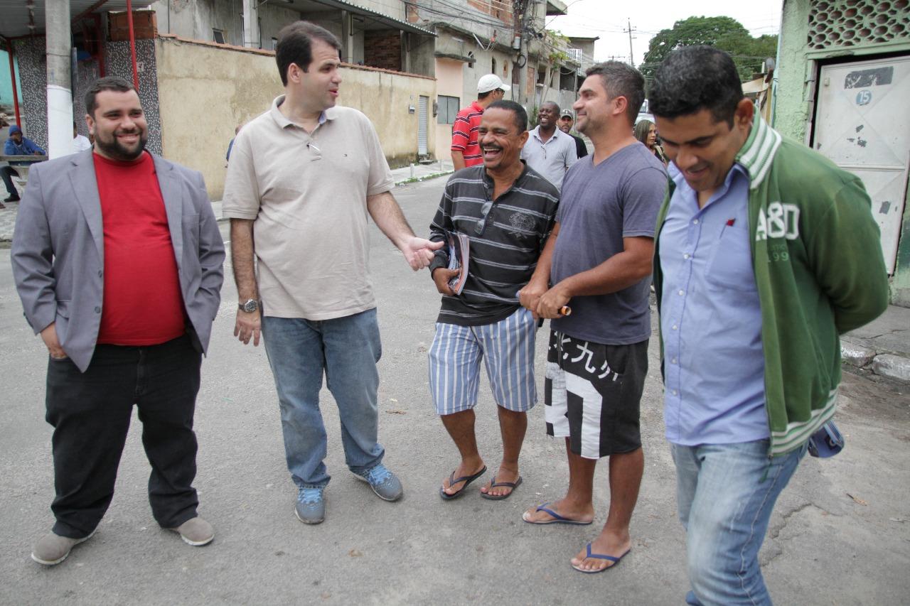 Aureo faz prestação de contas do mandato no bairro Vila Itamarati em Caxias