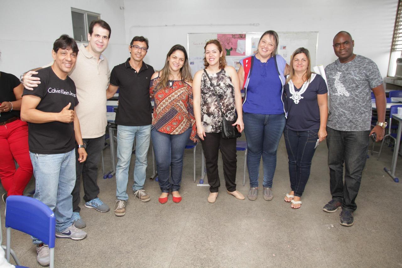 """Aureo participa de ação """"Governo Presente"""" no bairro Pilar em Caxias"""