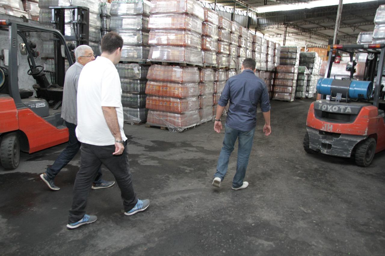 Aureo visita a empresa Rograne fabricante de refrigerantes em Paraíba do Sul