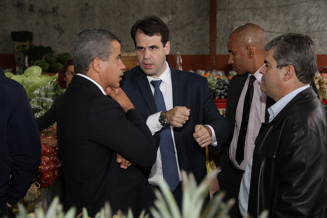 Aureo visita o mercado produtor de Duque de Caxias