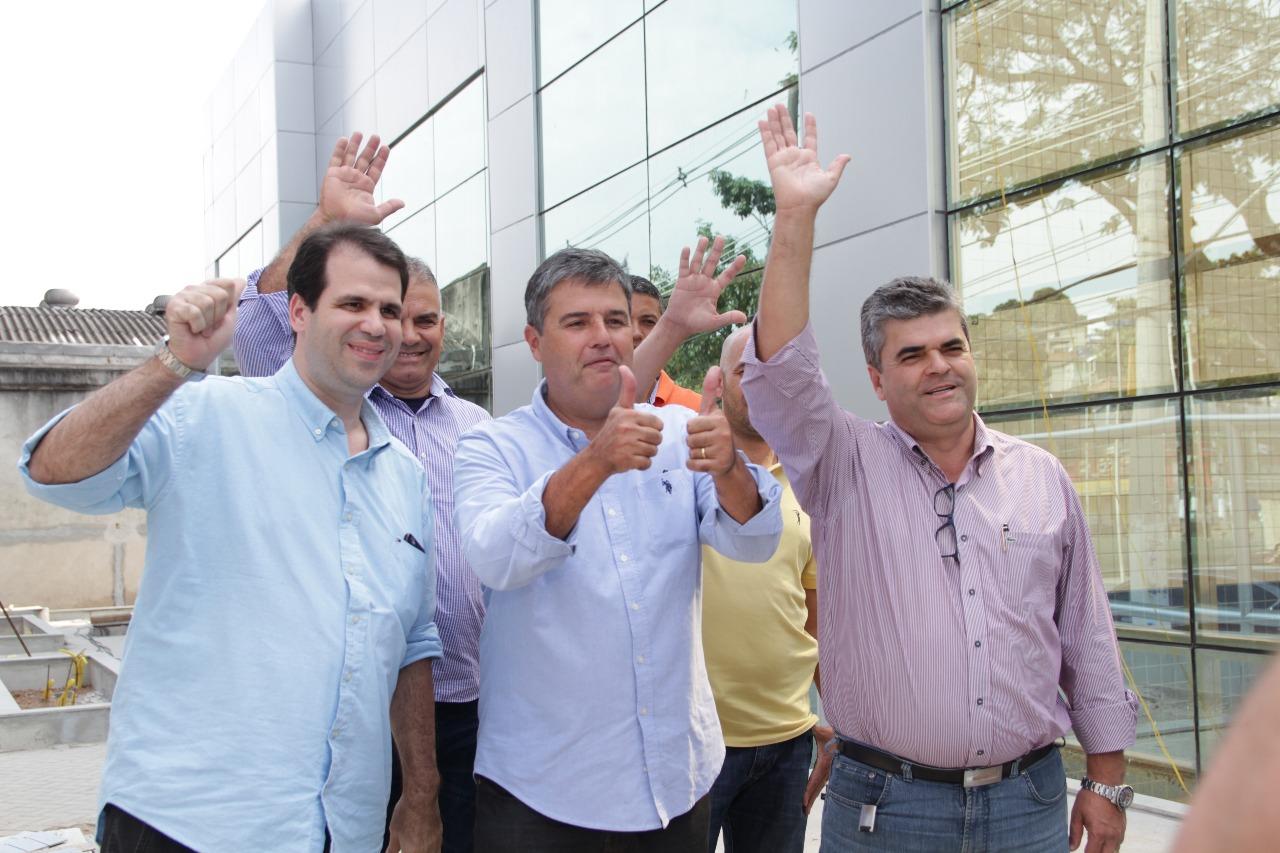 Aureo visita obras do novo Hospital do Olho em Duque de Caxias