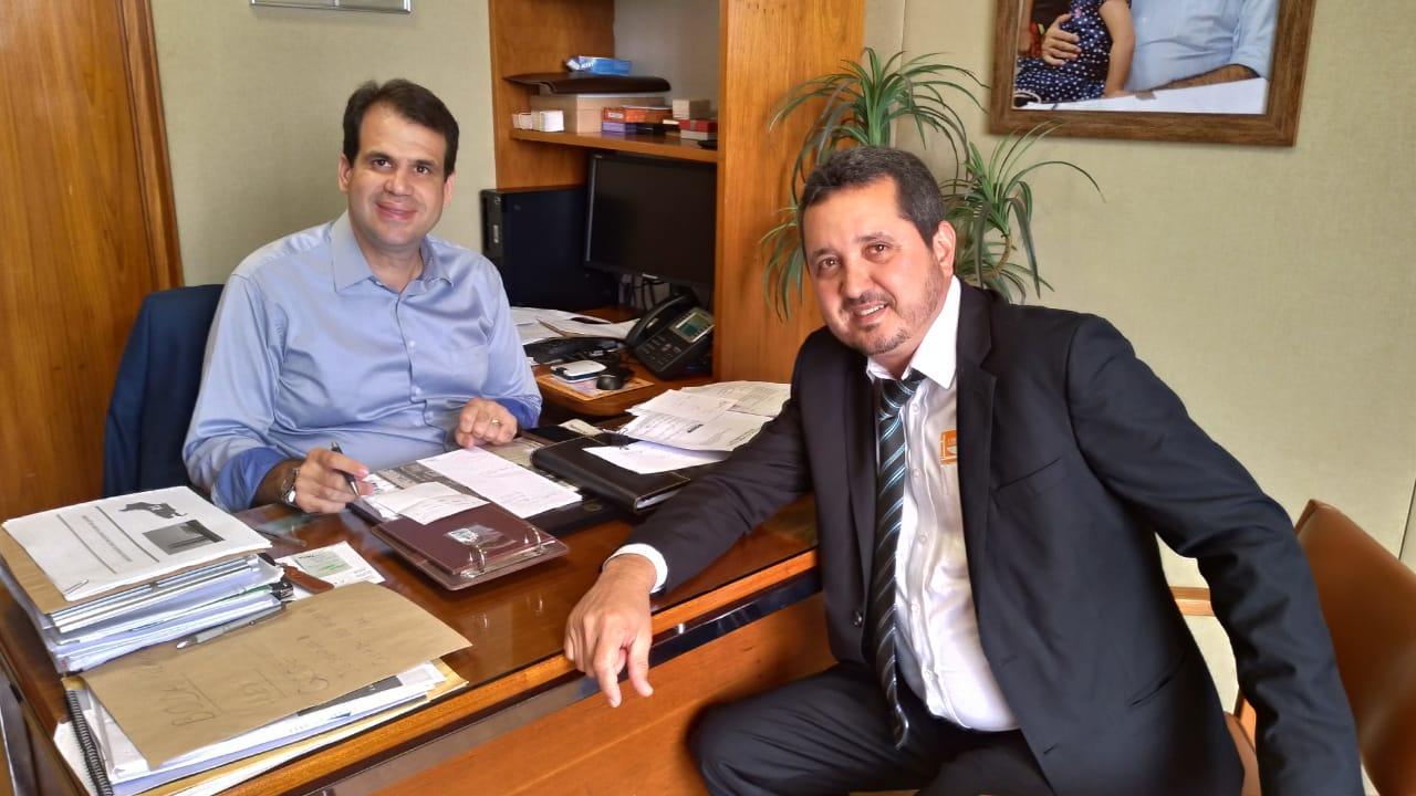 Aureo e prefeito Tavinho, de São Sebastião do Alto