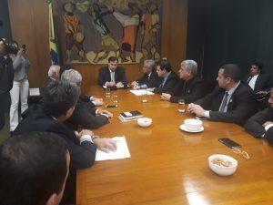 Aureo levou prefeitos para buscar investimentos