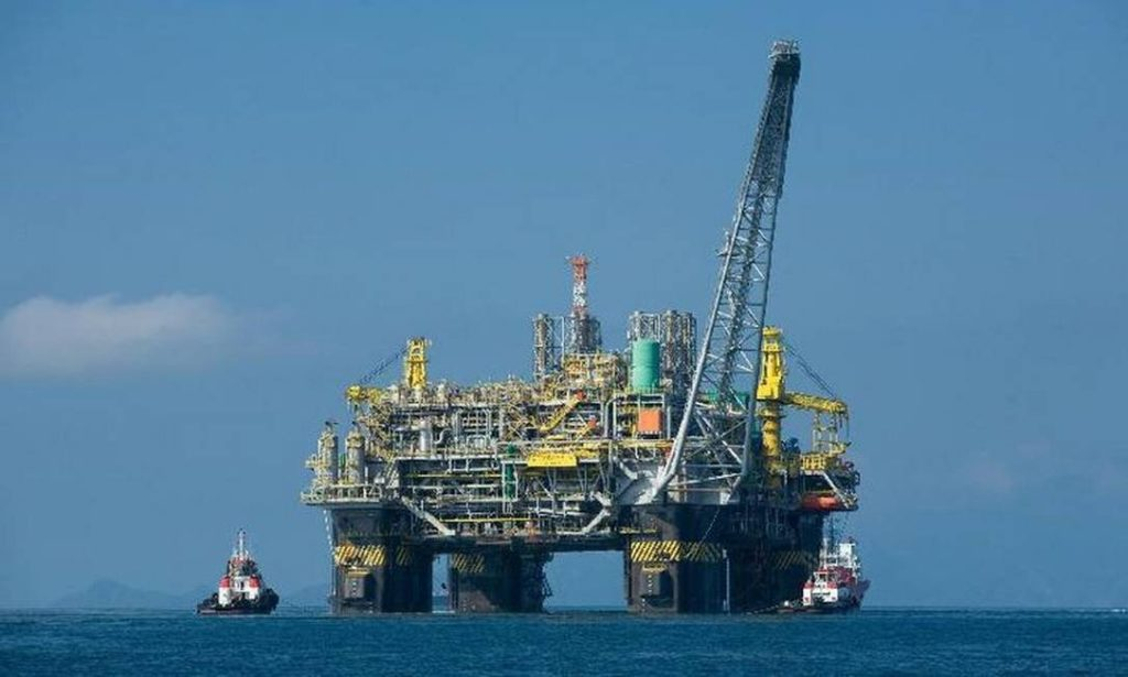 Plataforma de Petróleo na Bacia de Campos Foto: Agência Brasil
