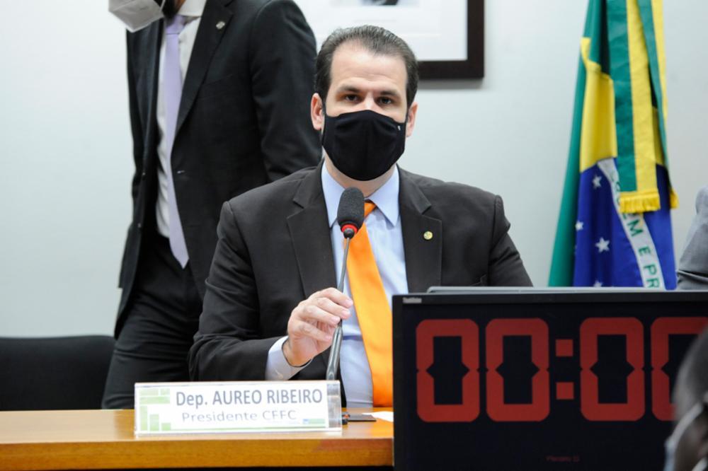 Read more about the article Proposta para implementar reforço escolar no pós-pandemia
